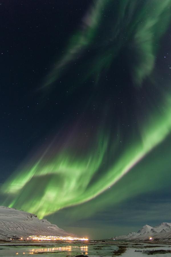 Zorza polarna sfotografowana w noc z 16 na 17.02.2016 r. (Credit: Jónína Óskarsdóttir, Faskrudsfjordur, Islandia)
