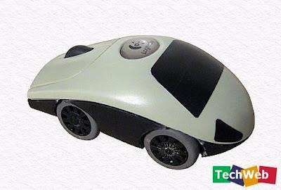 Auto hecho con mouse reciclado