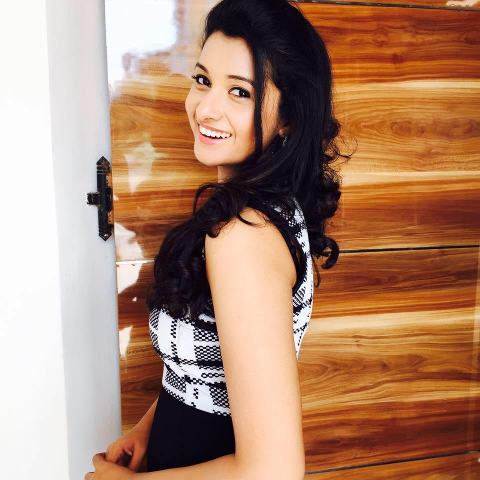 Top 12 Cutest Pics Of Priya Bhavani Shankar  Trendtweaks-6346