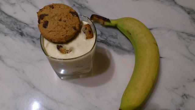 Tiramisu à la banane et cookies chocolat et noix de pécan