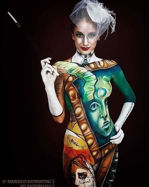 06-Michela-Luciani-Andrea-Peria-Lucia-Postacchini-Paintings-on-a-Human-Canvas-with-Body-Painting-www-designstack-co