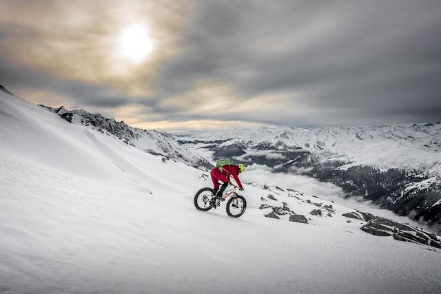 Mountainbike im Schnee Wolfendorn Brenner