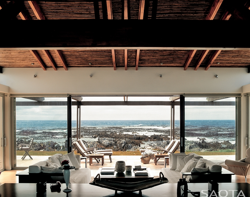 World of Architecture: Rustic Beach House by SAOTA