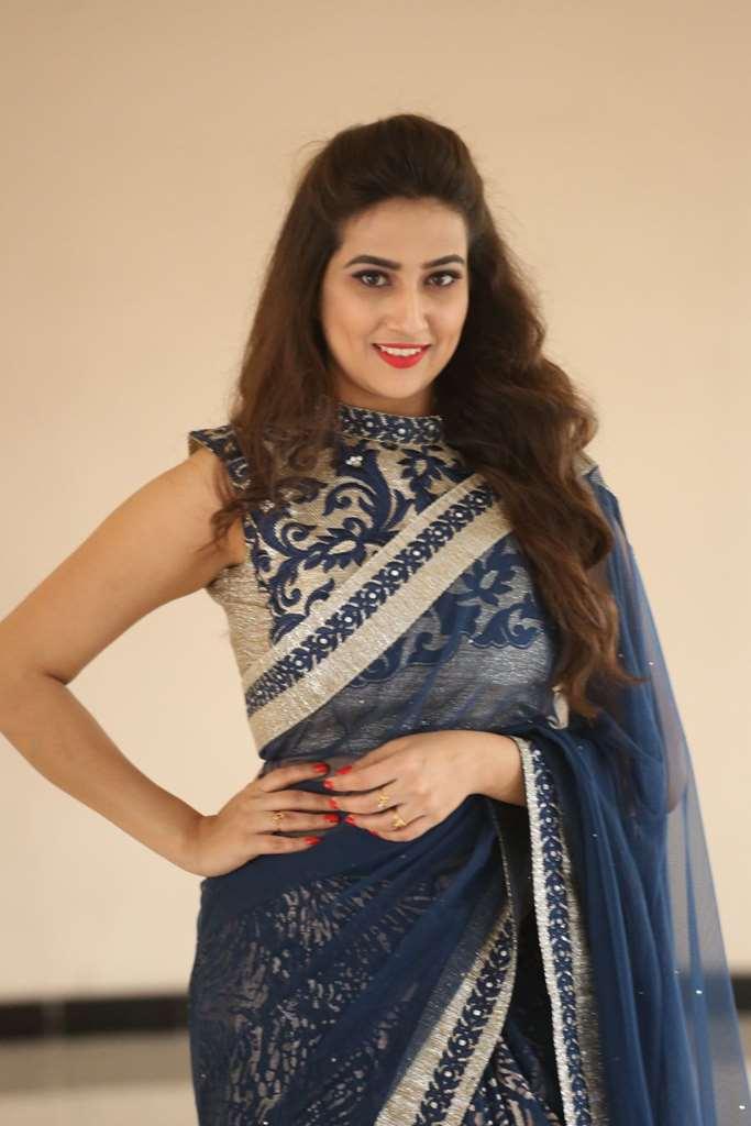 Anchor Manjusha In Blue Saree