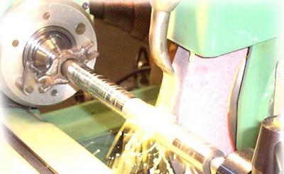 Chế tạo trụ, tiện tinh trục, mài trục, chế tạo trục máy bơm