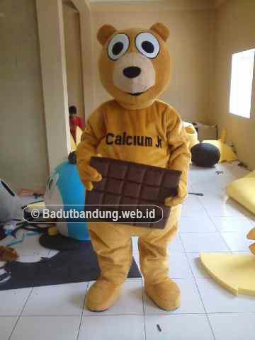 gambar badut beruang maskot calcium jr jakarta