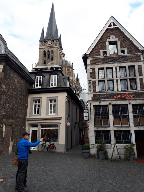 getting directions and finding your way in Aachen