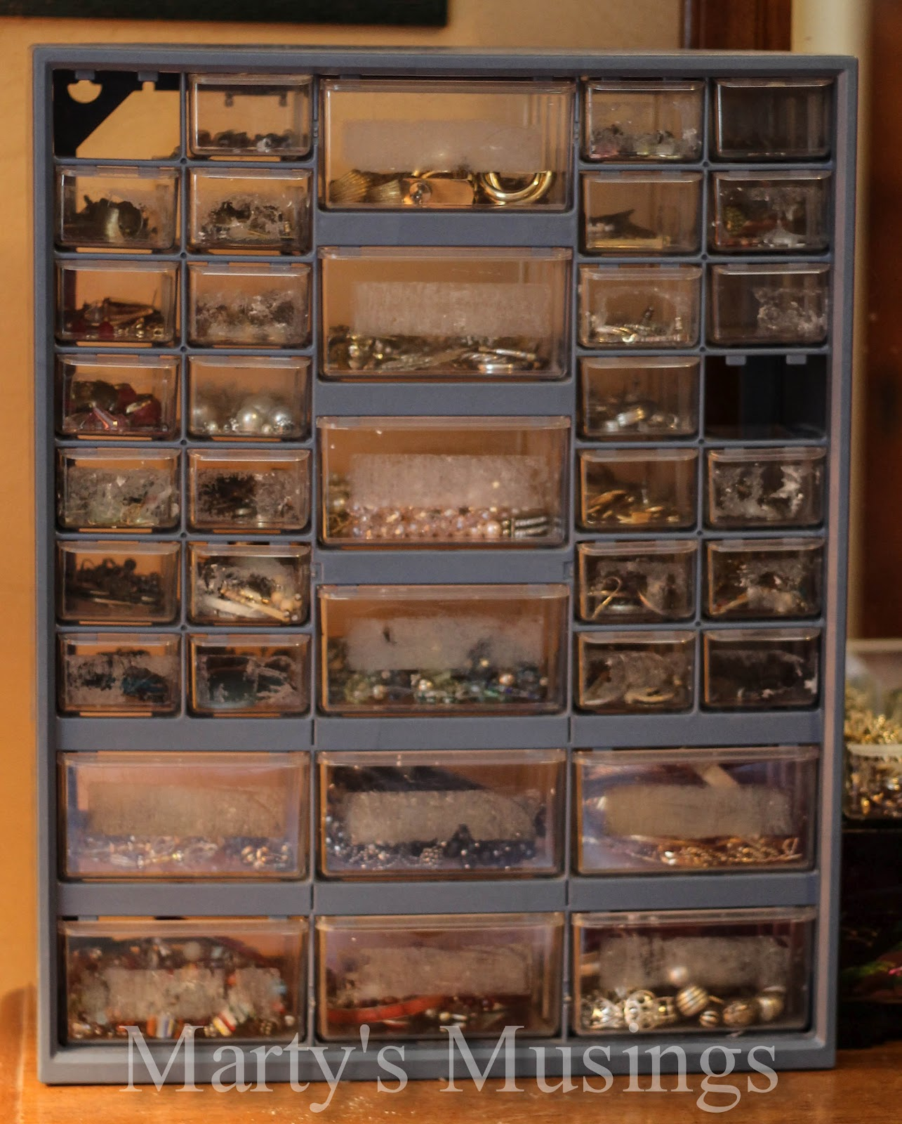 & Jewelry Organization and Storage Ideas