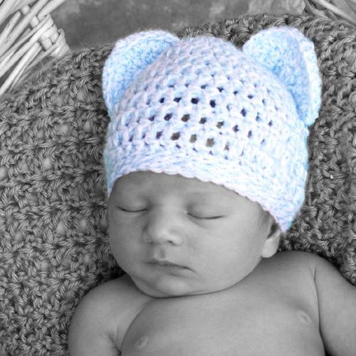 Crochet Newborn Bear Hat - Free Pattern