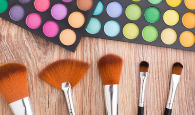 Tips Membersihkan Kuas Make Up Yang Benar