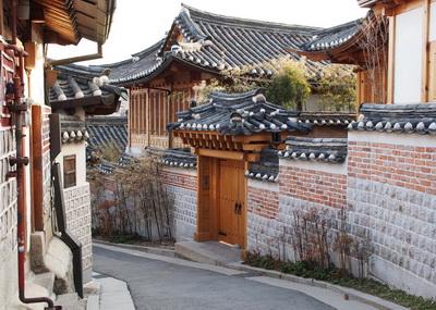 Bukchon hanok village desa rumah tradisional khas Korea