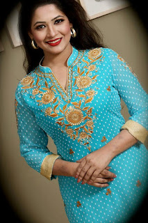 Azmeri Haque Badhon Bangladeshi Actress Smile
