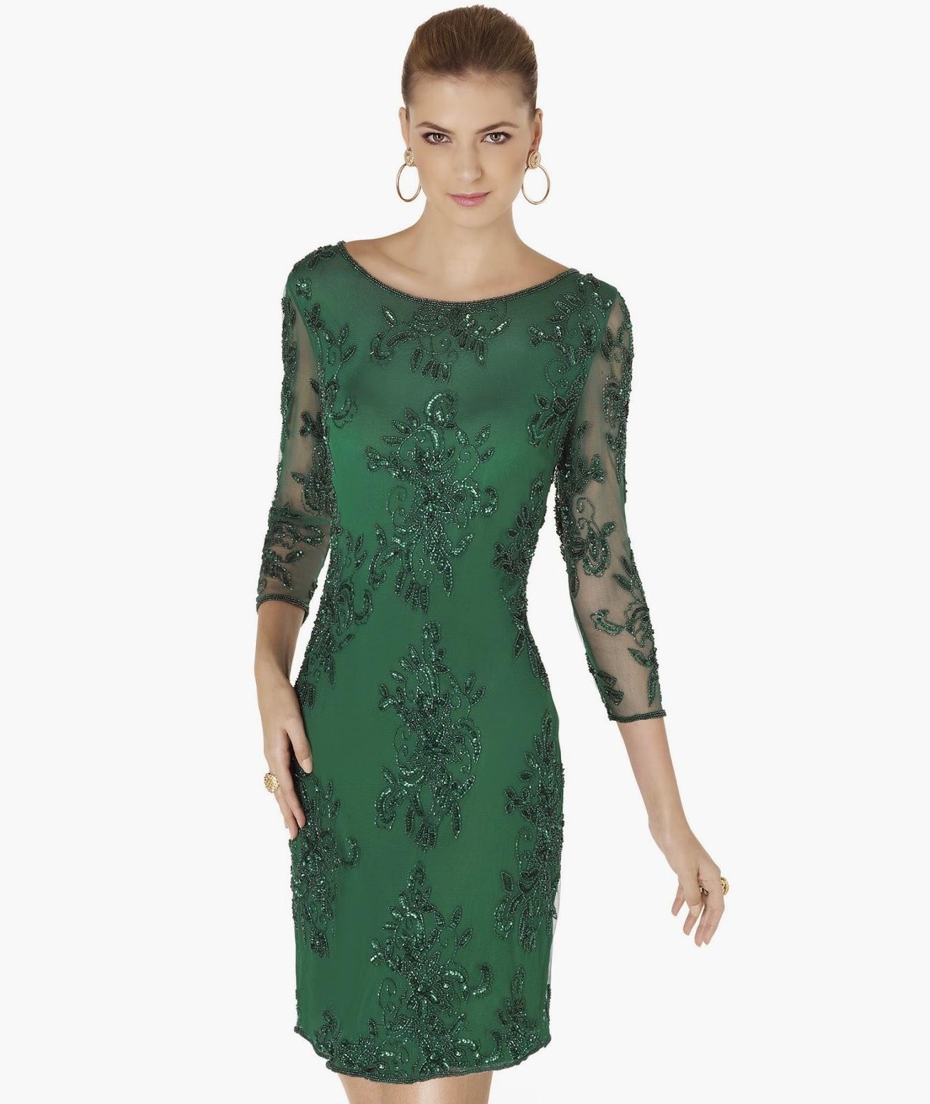 79fdca77af2d8 V yakalı mini abiye elbisenin üstünde siyah, parlak minik boncuklar  var.Açık yuvarlak yakalı olan da çok güzel, bunun üstüne de parlak  boncuklarla işleme ...