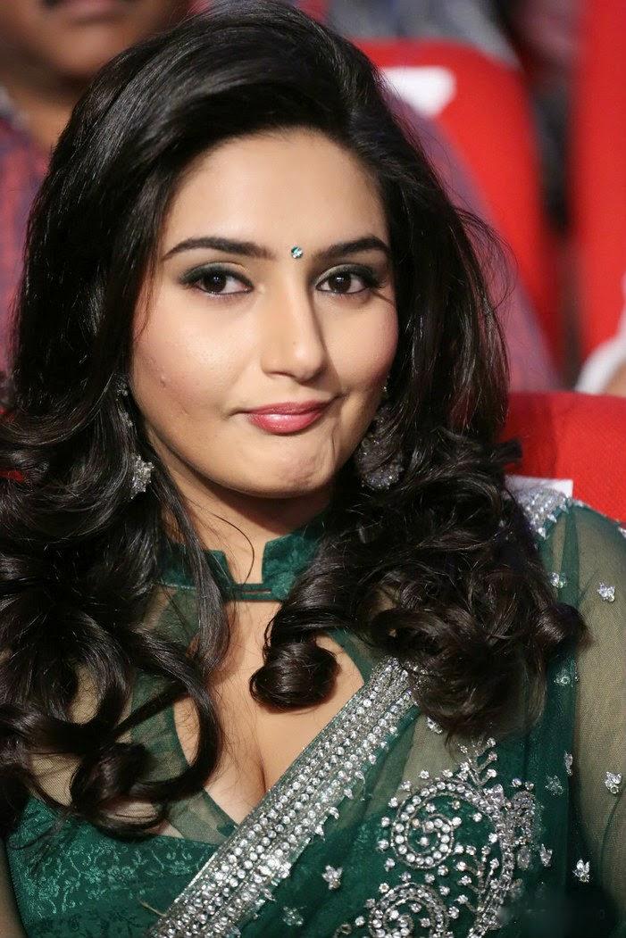 Ragini Bhabhi Beauty Show Photos  Hot And Sexy-2728