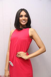Spatika Surapaneni in Red Tight Dress at FBB Miss India 2017 finalists at Telangana auditions Feb 2017 (49).JPG