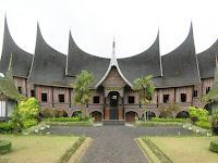 Rumah Gadang, Rumah Adat Provinsi Sumatera Barat