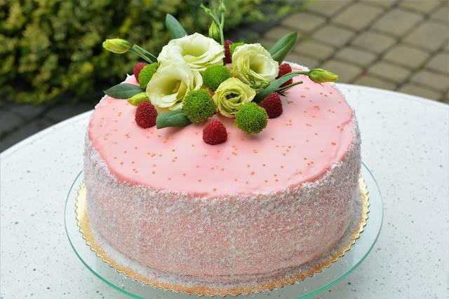 malinowy-tort