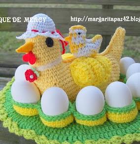 http://margaritapaz42.blogspot.com.es/2012/02/gallina-de-crochet-aqui-muestro-como.html