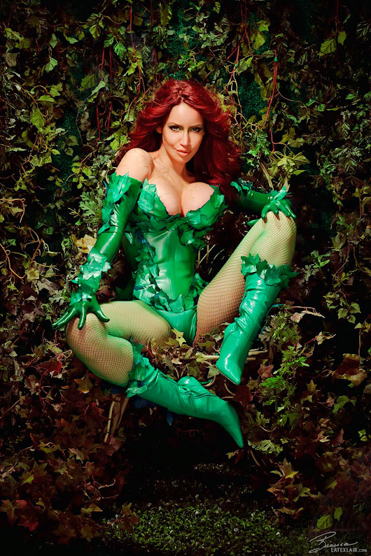 SCIFI PINUPS BIANCA BEAUCHAMP POISON IVY