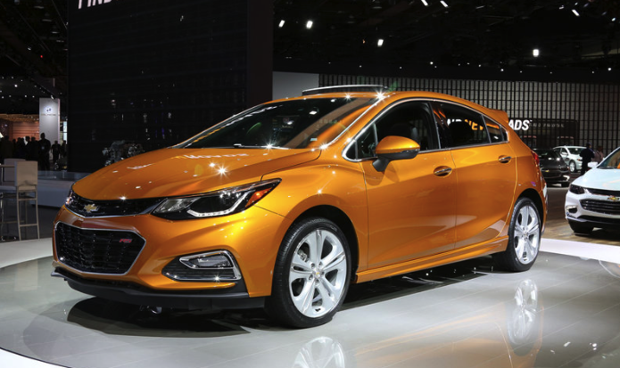2019 chevrolet cruze hatchback automatic review car and driver review. Black Bedroom Furniture Sets. Home Design Ideas