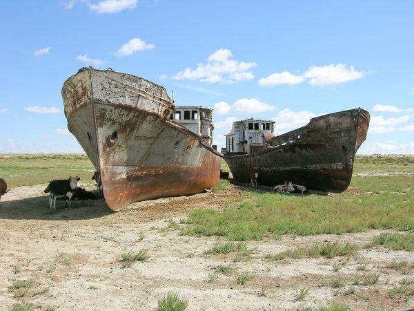 Η λίμνη που είχε έκταση όσο η μισή Ελλάδα μετατράπηκε σε νεκροταφείο πλοίων. Το σοβιετικό πείραμα που απέτυχε και προκάλεσε  καταστροφή