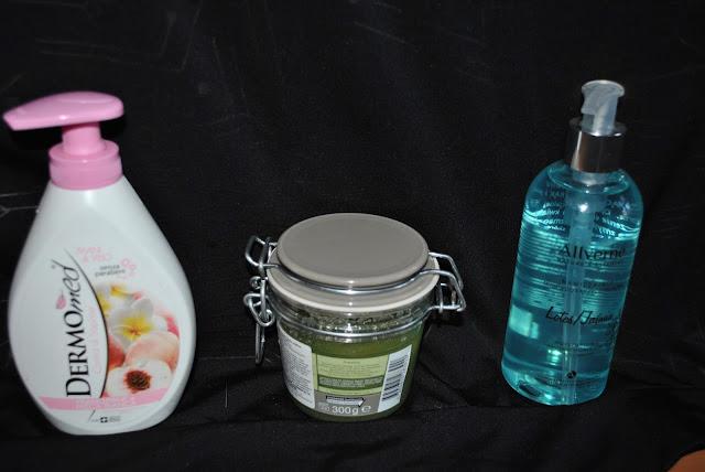 Mydło Dermomed  Allverne nawilżające mydło do rąk i pod prysznic o zapachu lotosu i jaśminu.