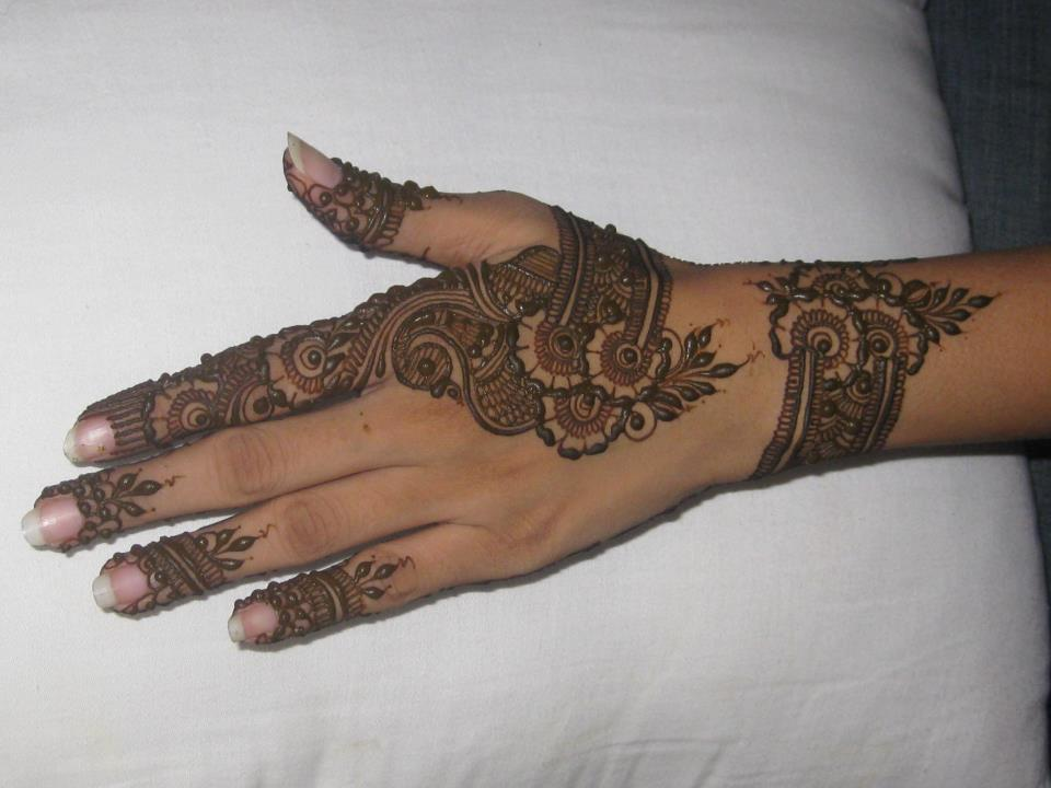 13 Unique Henna Designs Doing The Rounds This Wessing: Bridal Mehndi Designs: Unique Henna Designs Wallpapers