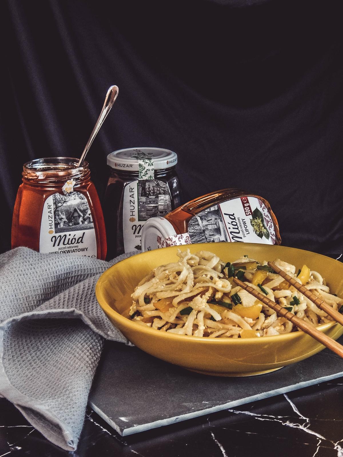 4 przepis na szybki obiad z miodem pad thai łatwy przepis szybka kuchnia azjatycka przepisy na lekki obiad z makaronem