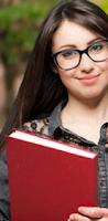 Dik22: Candidata Estudando Bem E Concentrada