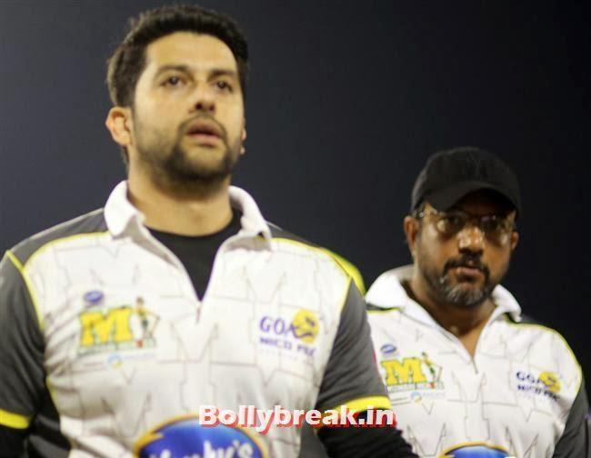 Aftab Shivdasani, Chitrangada Singh,Sana Khan, Genelia, Mandira , Huma at CCL4 Karnataka Bulldozers Vs Mumbai Heroes SF