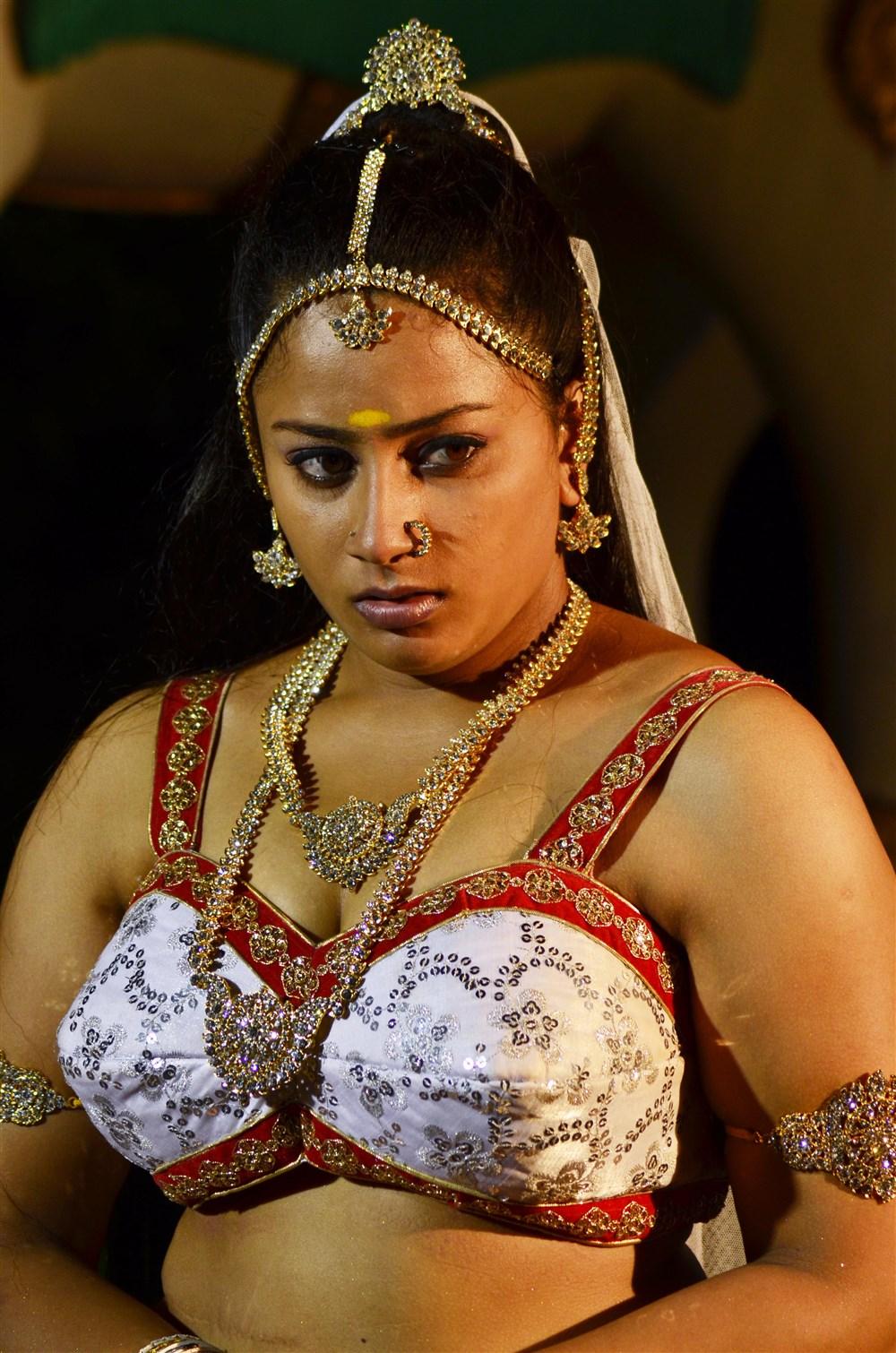 Tamil Cinema New Mayamohini Movie Stills - SHINER PHOTOS