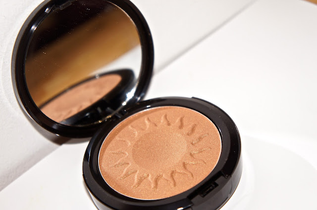 IMAN Cosmetics Sheer Finish Bronzing Powder- £20.50, Shade: Sand