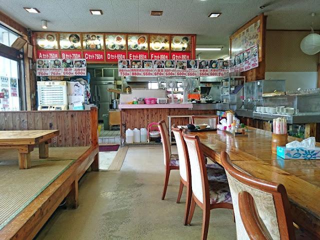 ドカメン 南風原店の店内の写真