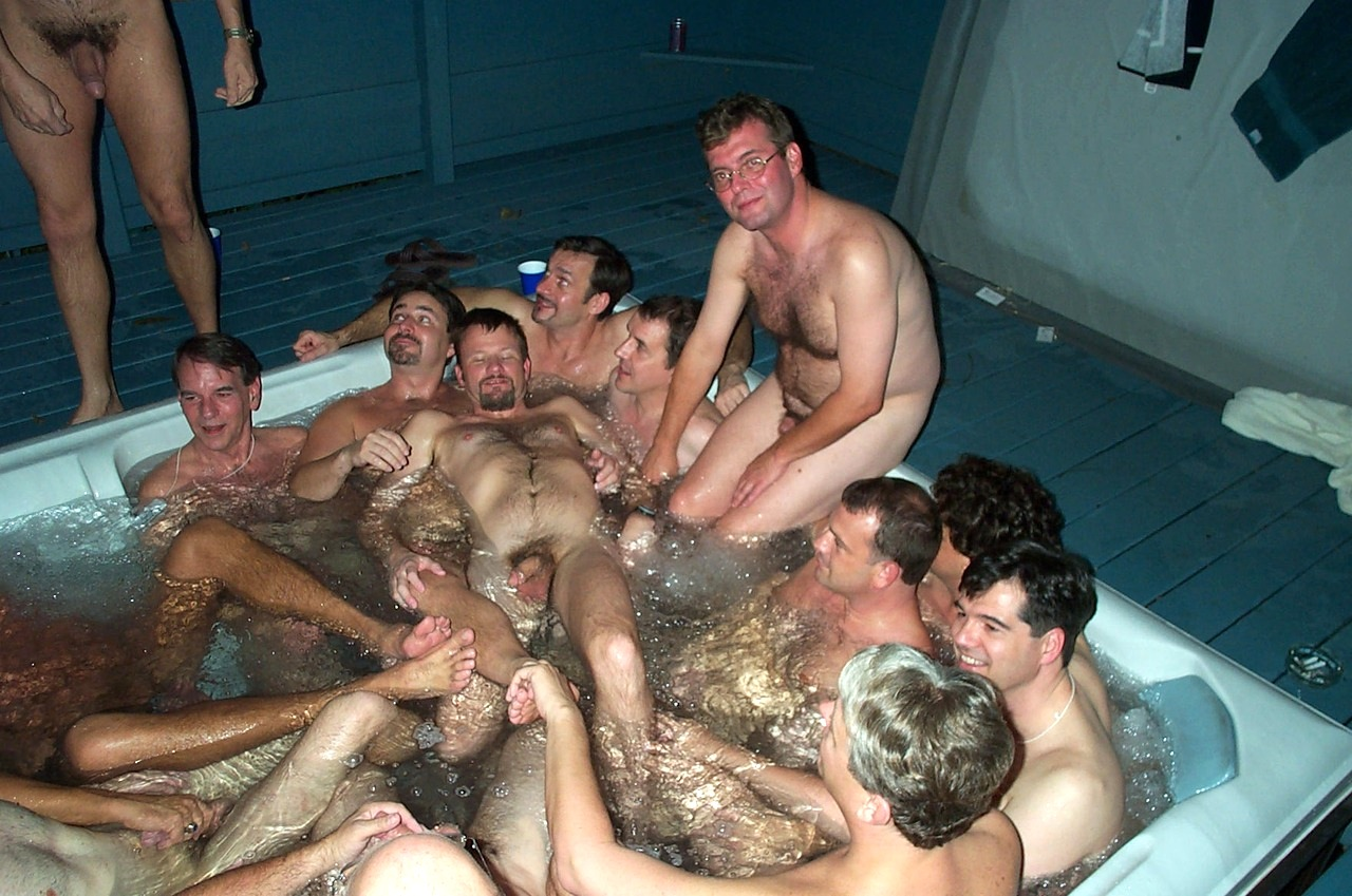 Naked girls spa tub Naked Girls In Hot Tubs With Boys Quality Porn
