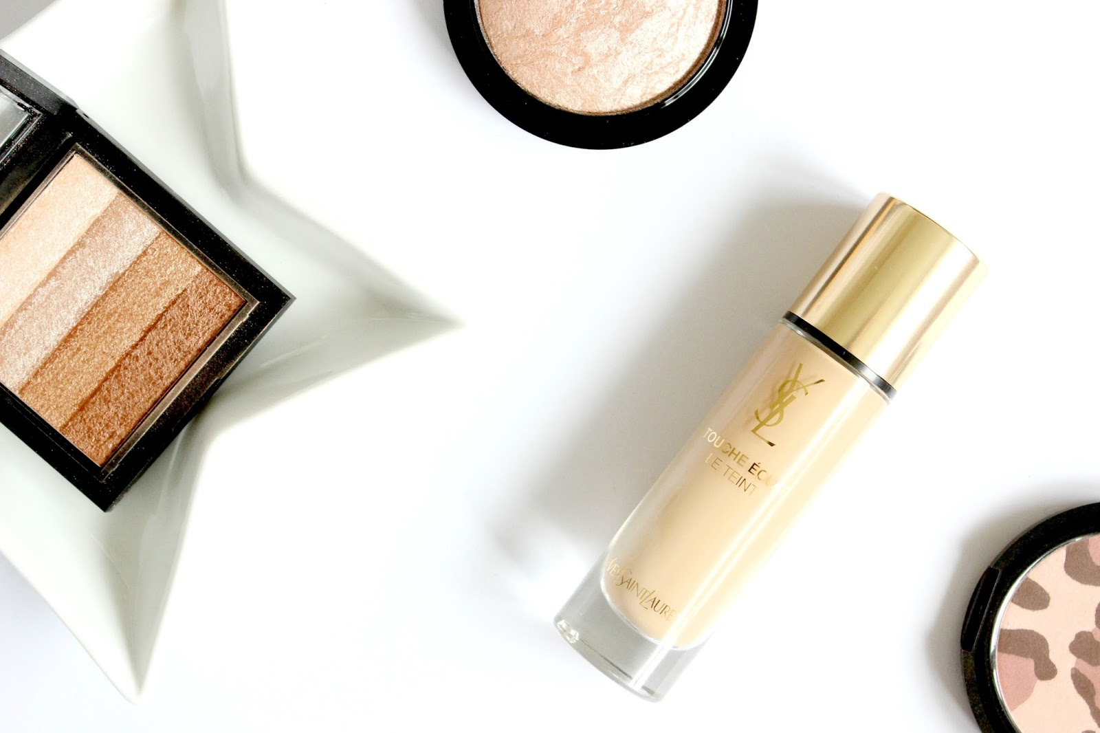 A picture of YSL Le Teint Touché Eclat Foundation