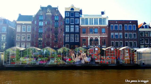 Che cosa vedere ad Amsterdam in tre giorni: il mercato dei fiori, Bloemenmarkt