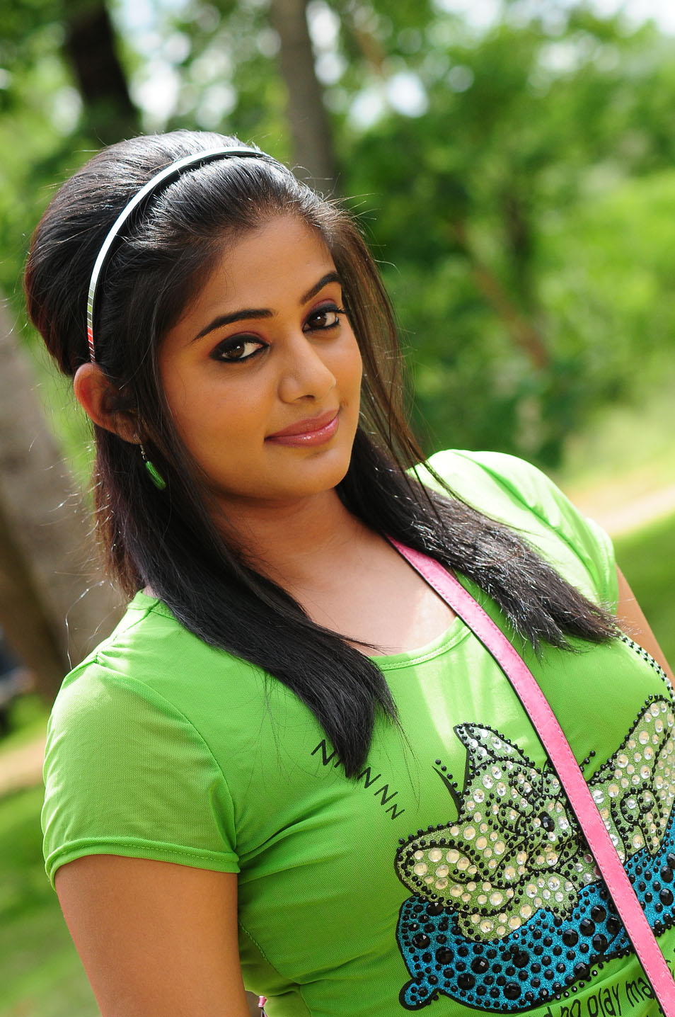 priyamani tollywood actress latest stills photoshoot movie shirt cute dress indian india south without spicy