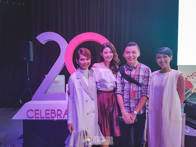 With Geraldine Gan, Denise Lee and Nicole Lai @ Astro's 20th Anniversary Celebrations