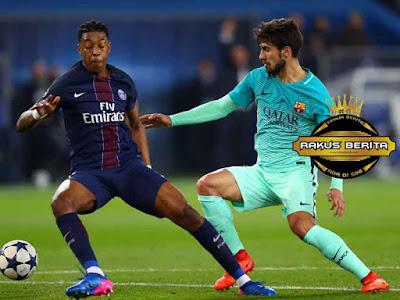 Presnel Kimpembe Saat Bermain Melawan Barcelona