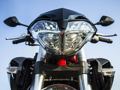 Benelli TNT 899 front headlight