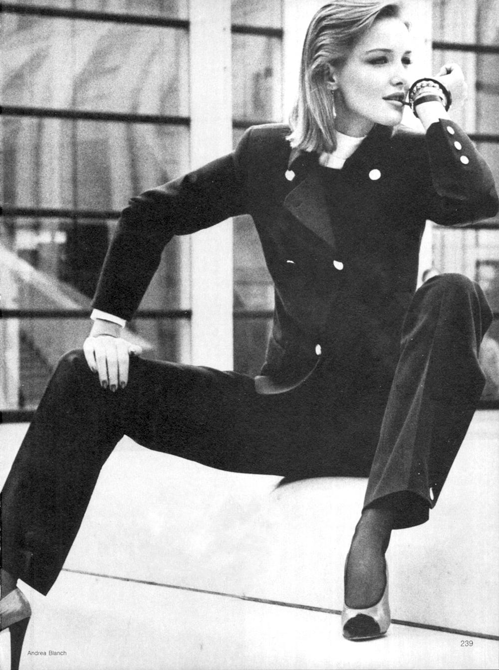 Mila Schon suit in Vogue US April 1980 (photography: Adrea Blanch)