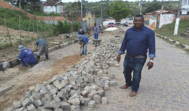 Prefeitura de Aramari realiza obras de recuperação e implantação da rede de água e esgoto