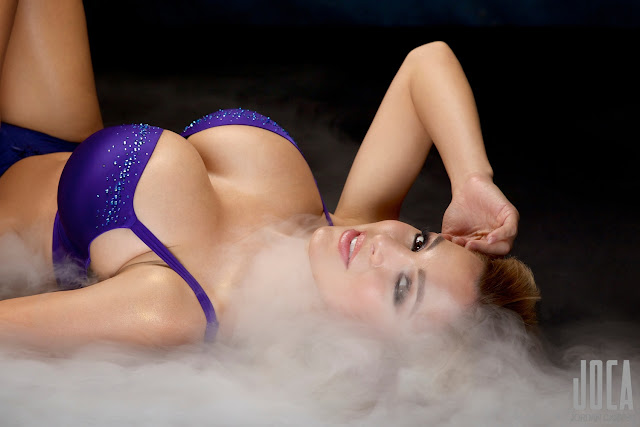 Jordan-Carver-WWL-Photo-Shoot-in-Hot-Blue-Bikini-HD-Picture-21