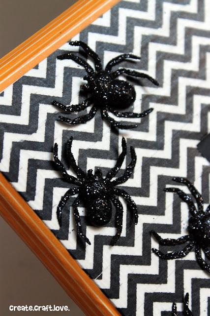 Washi Tape Halloween Frame via createcraftlove.com #washitape #halloween #frames