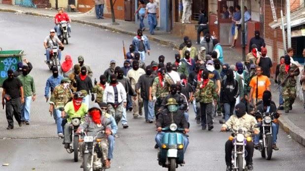 Monopol násilí patří státu - a státem podporovaným násilníkům. Collectivos ve Venezuele.