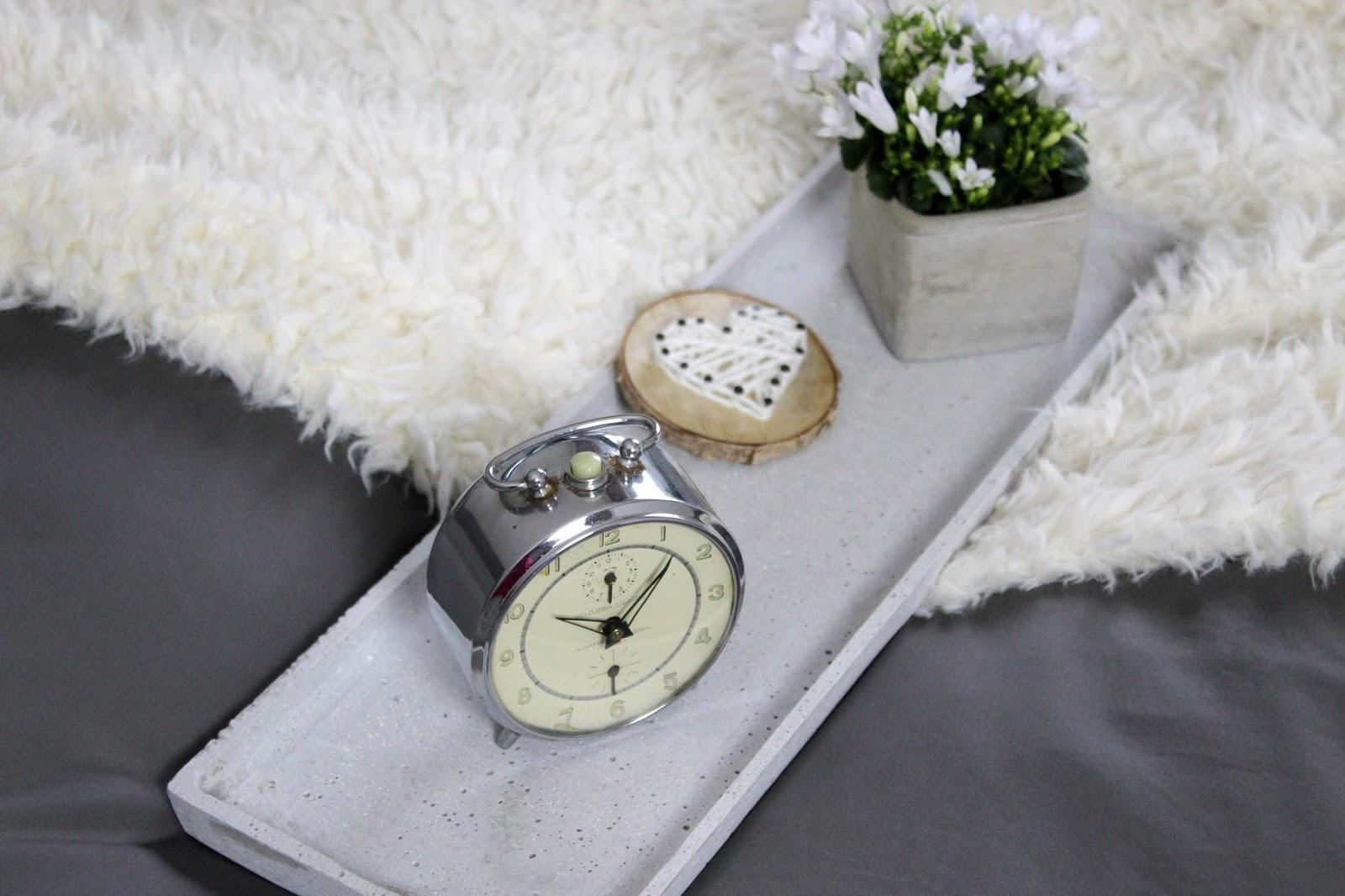 diy schlafzimmer make over vorher nachher mit tollen. Black Bedroom Furniture Sets. Home Design Ideas