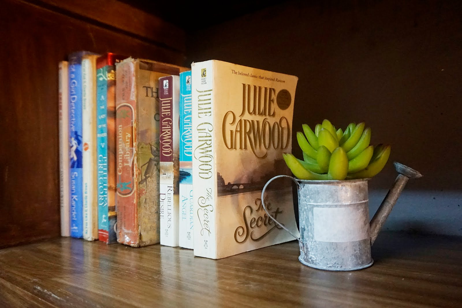 Librew Student Hub Bookshelf