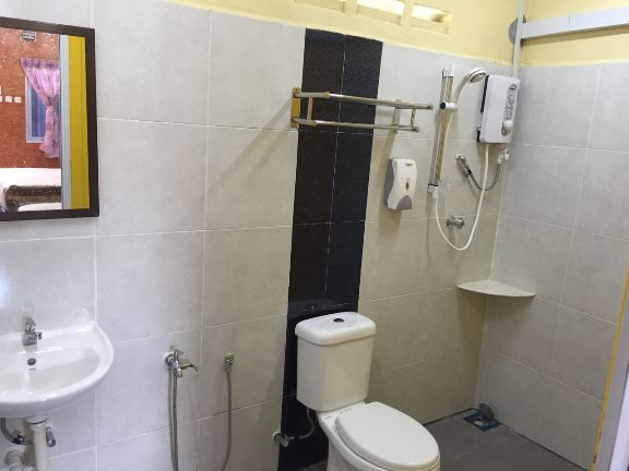 puteri qashrina cabin bilik air
