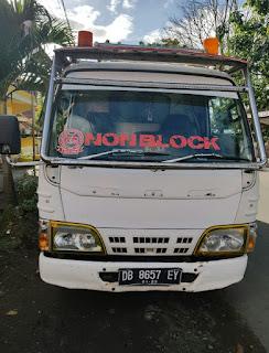 Sopir Mabuk, Kendaraan Truck Terobos Antrian Dan Hantam Mobil Sedan