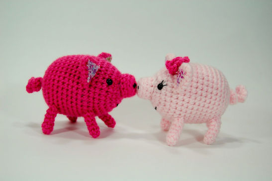 Craftyiscool Kissing Piggies Free Valentines Day Pattern